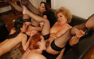 Mature Lesbian Orgy Pictures