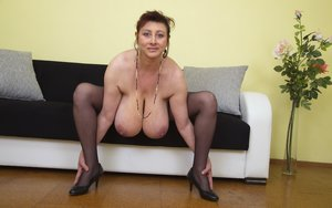 Mature Natural Tits Pictures