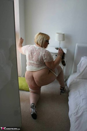 Mature Huge Ass Pictures