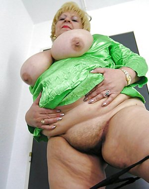 Mature Moms Tits Pictures