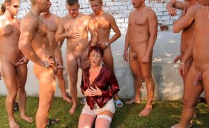 Pee Mature Pictures