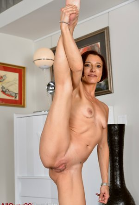 Flexible Mature Pictures