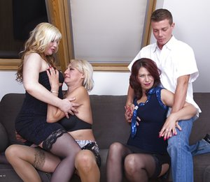 Reverse Gangbang Pictures