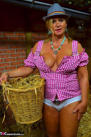 Country Girls Pictures