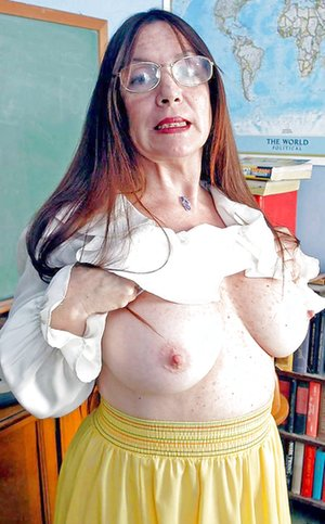 Mature Perky Tits Pictures