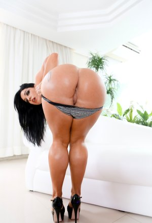Big Booty Mature Pictures